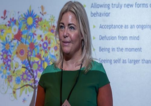 Rikke Kjelgaard - föredragshållare och expert i ACT